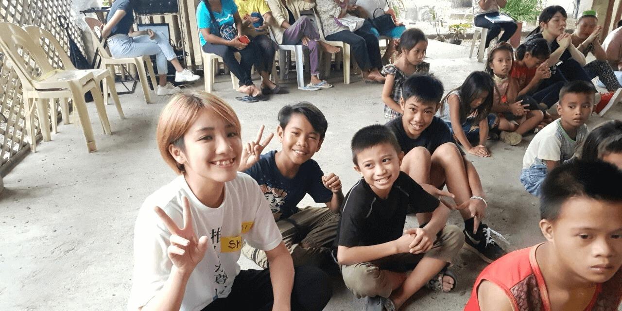 ボランティア フィリピンの少年たちと